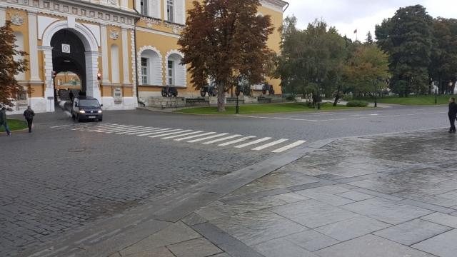 Moskou, Bij binnenkomst Kremlin, Backpackjunkies