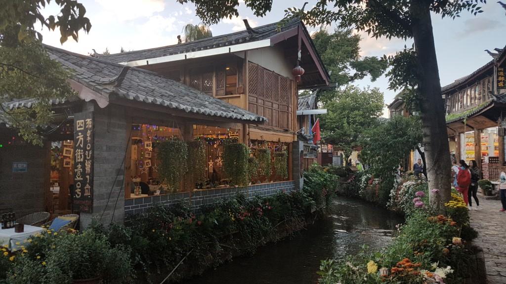 Lijiang, Old Town, Backpackjunkies