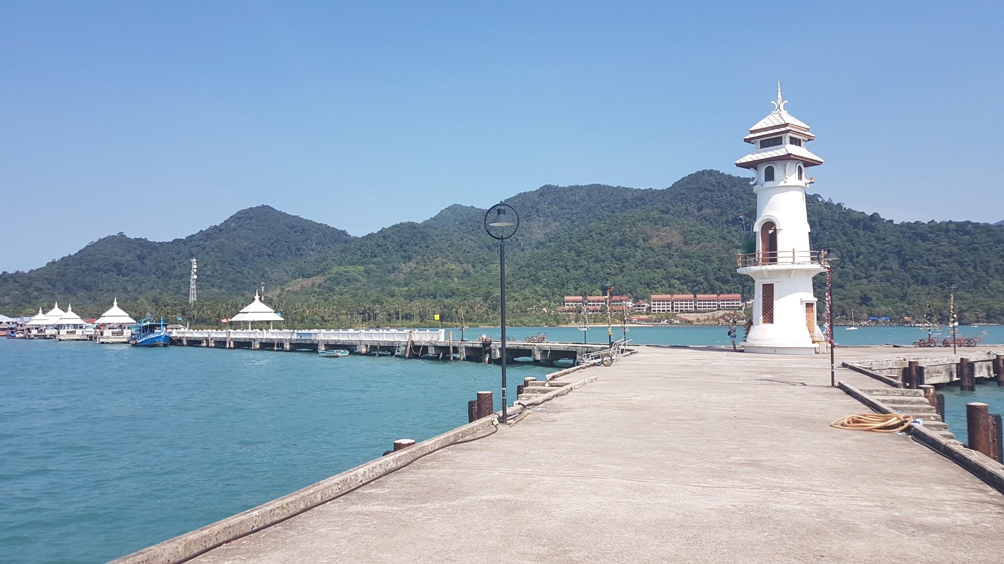 Koh Chang, Bang Bao pier, vissersdorp, Backpackjunkies