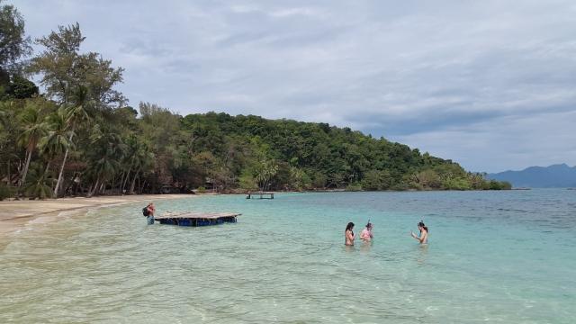 Koh Wai, snorkelen, Backpackjunkies