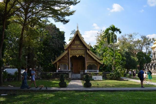 Chiang Mai - Wat Chiang Man 001 - BackPackJunkies