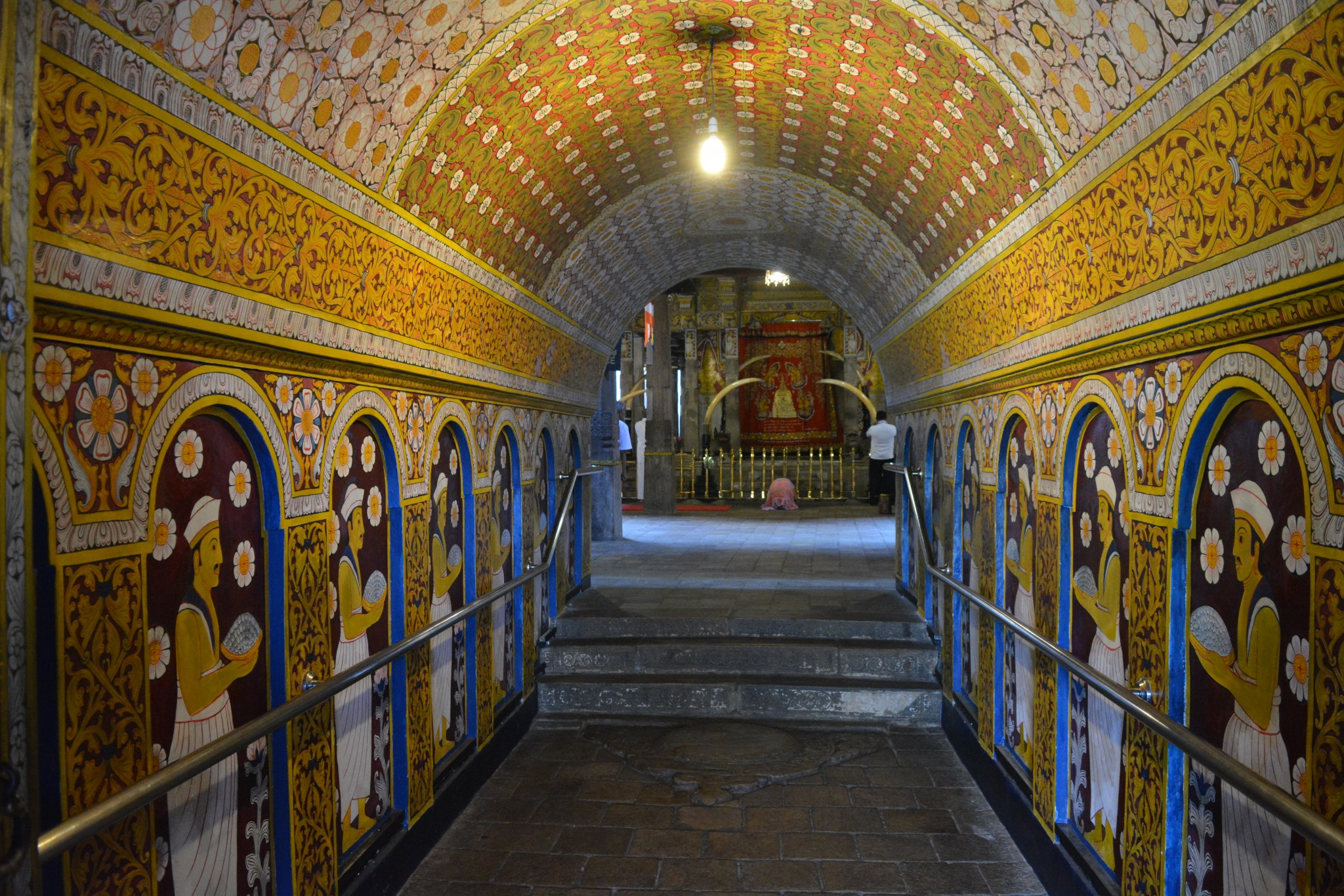 Kandy, Temple of the Sacred Tooth, Backpackjunkies