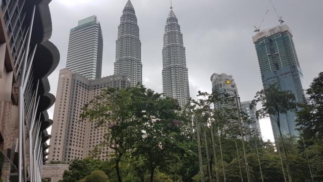Kuala Lumpur, Petronas Twin Towers, Suria KLCC, KLCC Park, Backpackjunkies