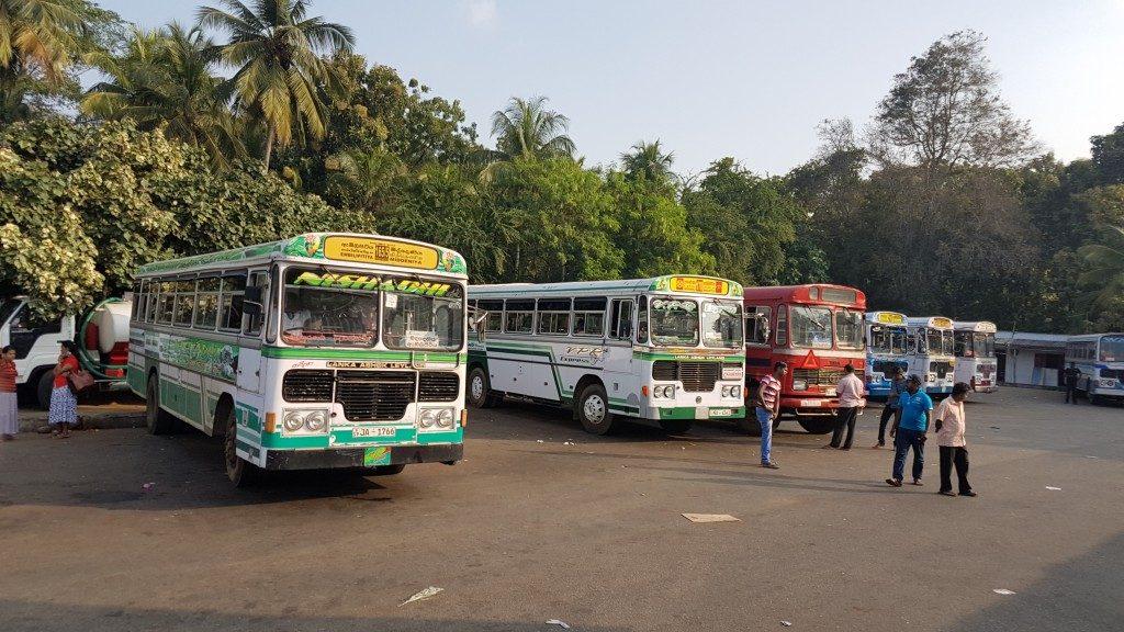 Sri Lanka, bus station, Backpackjunkies