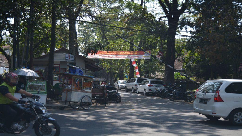 Bandung - Stad_03 - BackPackJunkies