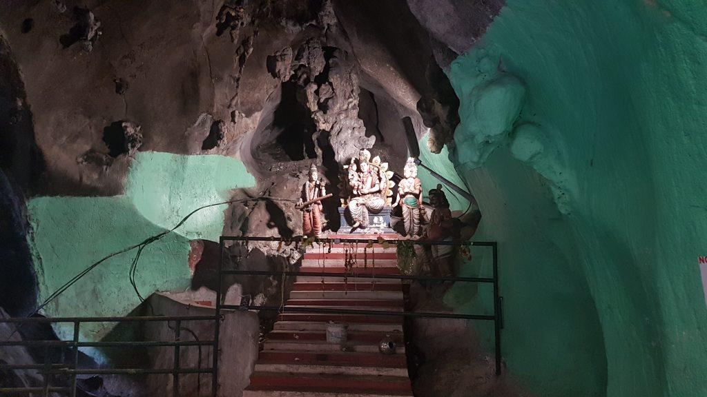 Kuala Lumpur - Batu Caves 09 - BackPackJunkies