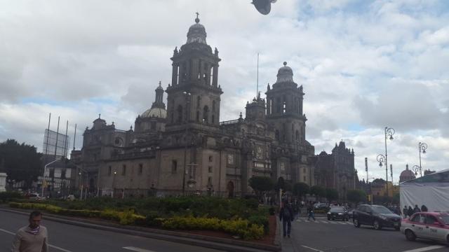Mexico Stad - Kathedraal 02 - BackPackJunkies