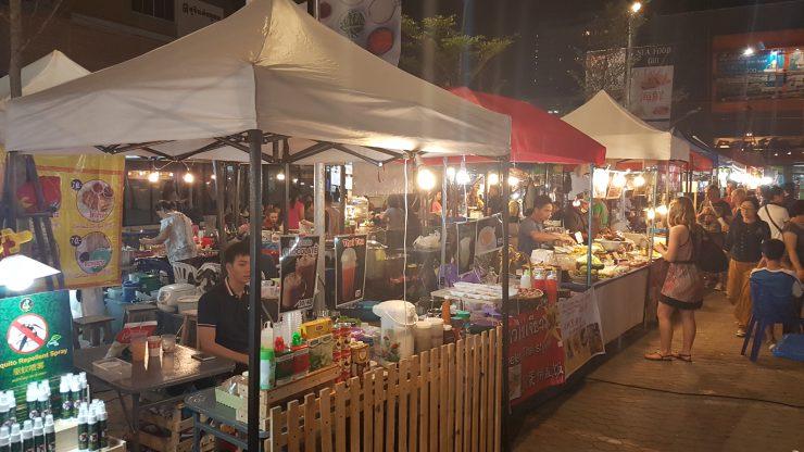 Chiang Mae - Streetfood - Backpackjunkies