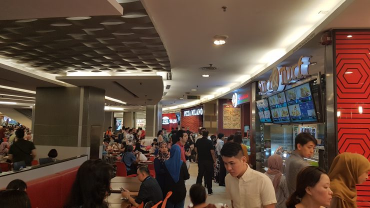 Kuala Lumpur - KLCC foodcourt- Backpackjunkies